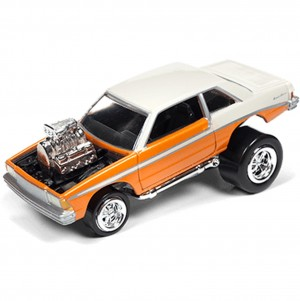 Miniatura - 1:64 - 1981 Chevy Malibu - Laranja - Street Freaks - Johnny Lighting
