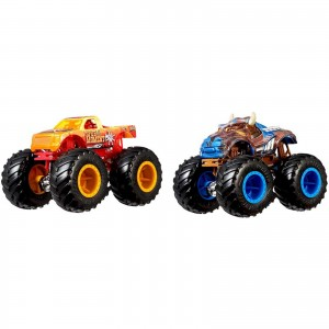 Pack com 2 Hot Wheels - 1:64 - Spur of the Moment vs Steer Clear - Monster Trucks - GBT70